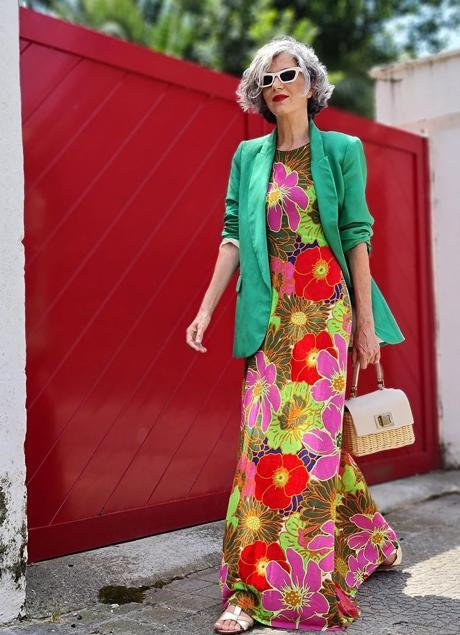 Carmen Gimeno in a floral dress from Zara.  / @Carmen_Gimeno